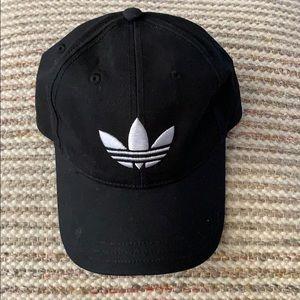 Adidas black embroidered trefoil hat OS
